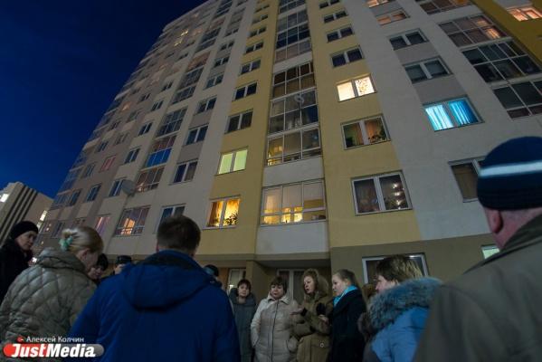 Телекоммуникационный «рейдерский захват» в Академическом! Жители в одиночку противостоят компании, насильно «начиняющей» их дома связью