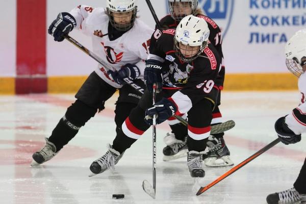 Хоккеисты детского клуба «Автомобилист» одержали первую победу в битве за Кубок «Газпром нефти»
