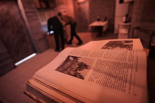 Корреспонденты JustMedia.ru с трудом выбрались из подземного бункера, пережив ядерную войну