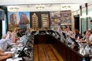 Шок! Профсообщество Екатеринбурга раскритиковало архитектурный шедевр сэра Нормана Фостера, назвало его «ананасом» и отправило на окраину