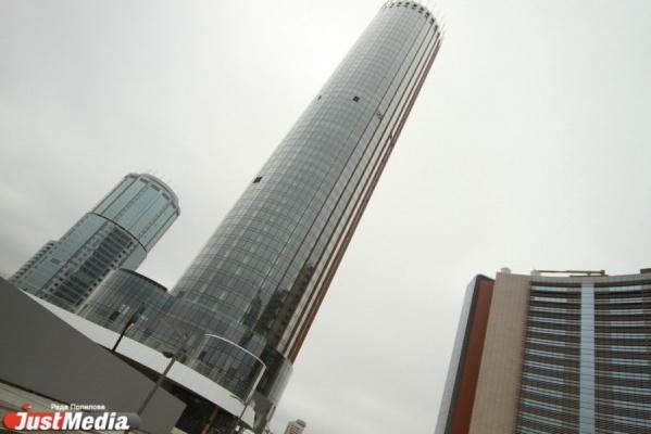 Башню «Исеть» с вертолетной площадкой, двухэтажным фитнесом и «умными» апартаментами обещают открыть уже весной 2016 года