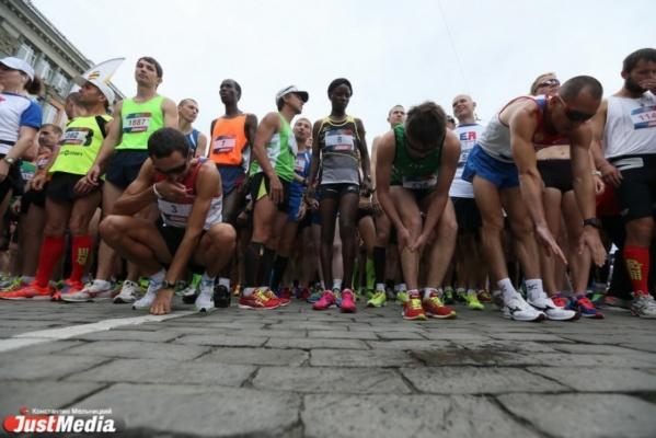 «Урал» и «Автомобилист» рвали всех подряд, а кенийцы бегали наперегонки по Екатеринбургу. Обзор самых значимых событий в Свердловской области