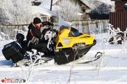 Шум мотора, музыка и детский смех: в поселке Белоярский прошла презентация снегохода «Ермак»