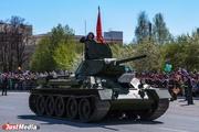 Уникальная военная техника вышла в День Победы на улицы Верхней Пышмы
