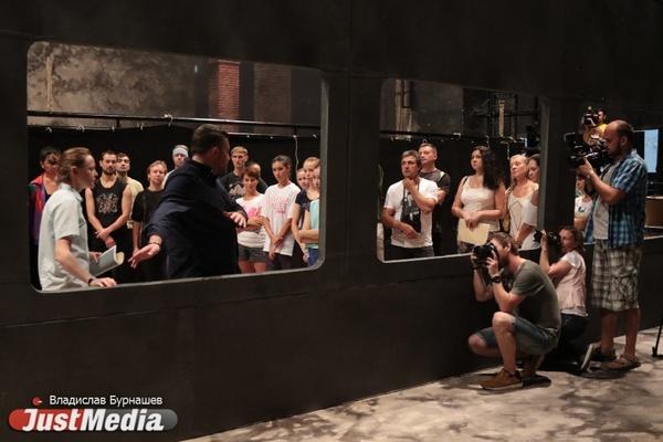 Артисты Оперного плачут на репетициях «Пассажирки». Театр разрешил подглядеть за постановкой нашумевшего спектакля. ФОТО