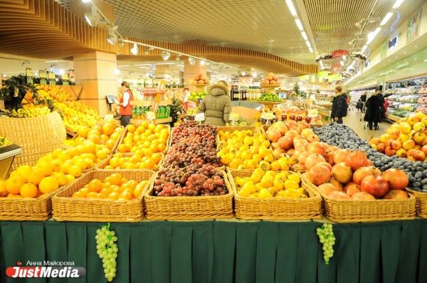 Готовимся к Новому году: мандарины и сыр сильно подешевели, водка уже начинает дорожать. СПЕЦПРОЕКТ