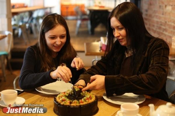 Сделала – выкинула, сделала – выкинула! Кондитер из Екатеринбурга самостоятельно научилась делать торты с калорийностью овощного салата. СПЕЦПРОЕКТ