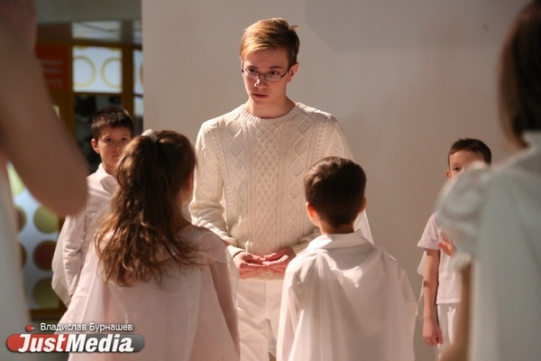 «Снимали полонез два часа – дети чуть не отреклись от профессии актера». JustMedia побывал на съемках детского фильма про ангелов