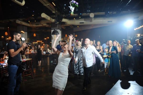 «Еврейская свадьба была небольшой — всего 200 гостей». История любви екатеринбурженки и израильтянина. СПЕЦПРОЕКТ