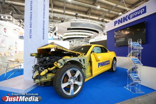 Разбитый вдребезги Camaro, дизельный Pajero и электромобиль для доставки пиццы. ИННОПРОМ глазами автолюбителя. ФОТО