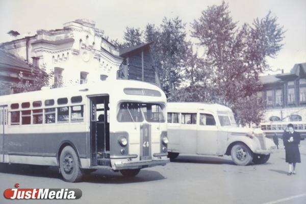 Тридцатичасовой рабочий день и ремонт в землянках. О работе автобусов в годы войны в СПЕЦПРОЕКТе «Е-транспорт»