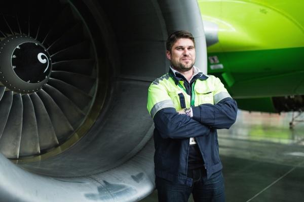 ОТКРЫТАЯ ПОЗИЦИЯ. Инженер S7 ENGINEERING Андрей Комаров: «Правила обслуживания самолетов напоминают ТО автомобиля, только операций намного больше».