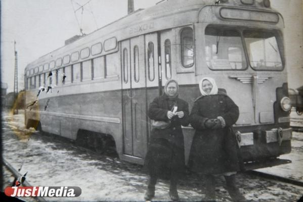 «Голод, нет деталей и новых вагонов, но без стекол и грязными на маршрут не выходили». О возрождении свердловского трамвая после войны в СПЕЦПРОЕКТе «Е-транспорт»