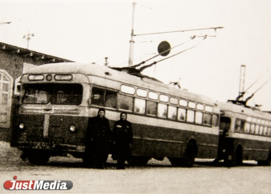Троллейбус МТБ-82, 1945 год.