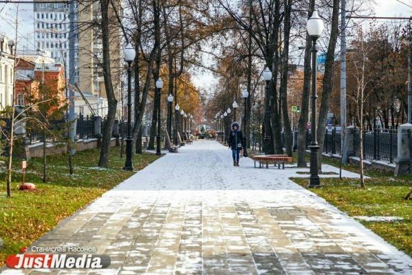 «Весь гранит уходит в Москву, а у нас работы ведутся с колес». Ремонт на проспекте Ленина завершится позже запланированного срока. ФОТО