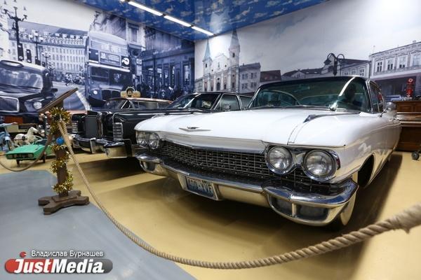 «У этих автомобилей нет цены. Нельзя продавать то, во что вложил часть души». JustMedia.ru побывал на экскурсии в музее ретрокаров