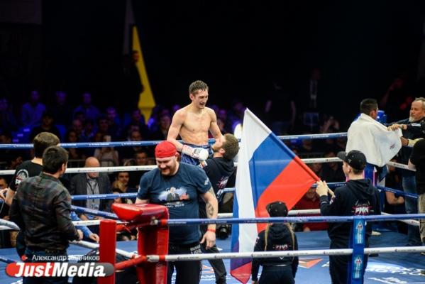 Впервые нокаутированный Классен, непростая «прогулка» для Якубова и чемпионство Абдуллаева. Вечер бокса в Екатеринбурге стал настоящим шоу для болельщиков