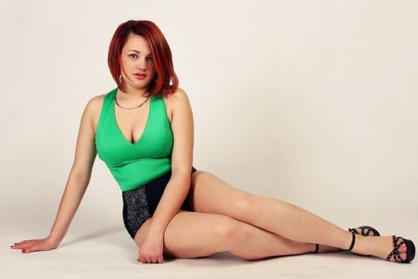 «Когда я была худенькой, не была востребована». Уральская модель plus-size покоряет северную столицу и развенчивает стереотипы об идеалах красоты