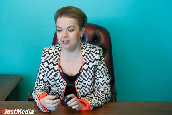 «Дороже, чем Фаберже». Известная екатеринбурженка привезла на Урал столетнее пасхальное яйцо. СПЕЦПРОЕКТ