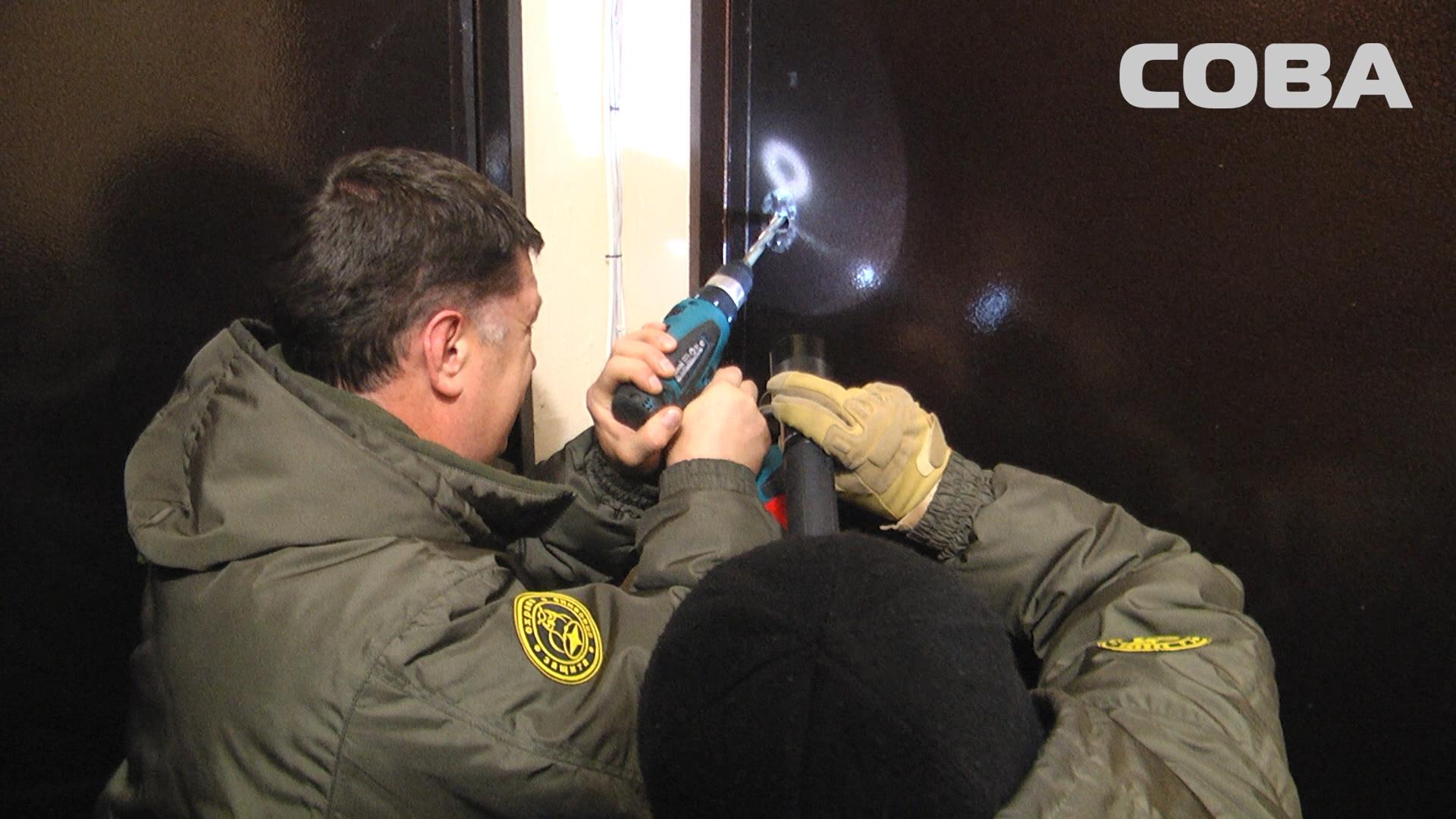 ВЕкатеринбурге двухлетний ребенок закрылся отмамы вквартире