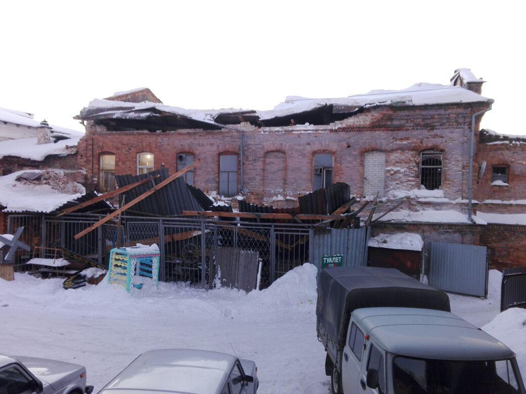 ВИрбите у монумента архитектуры XIX века обрушилась крыша