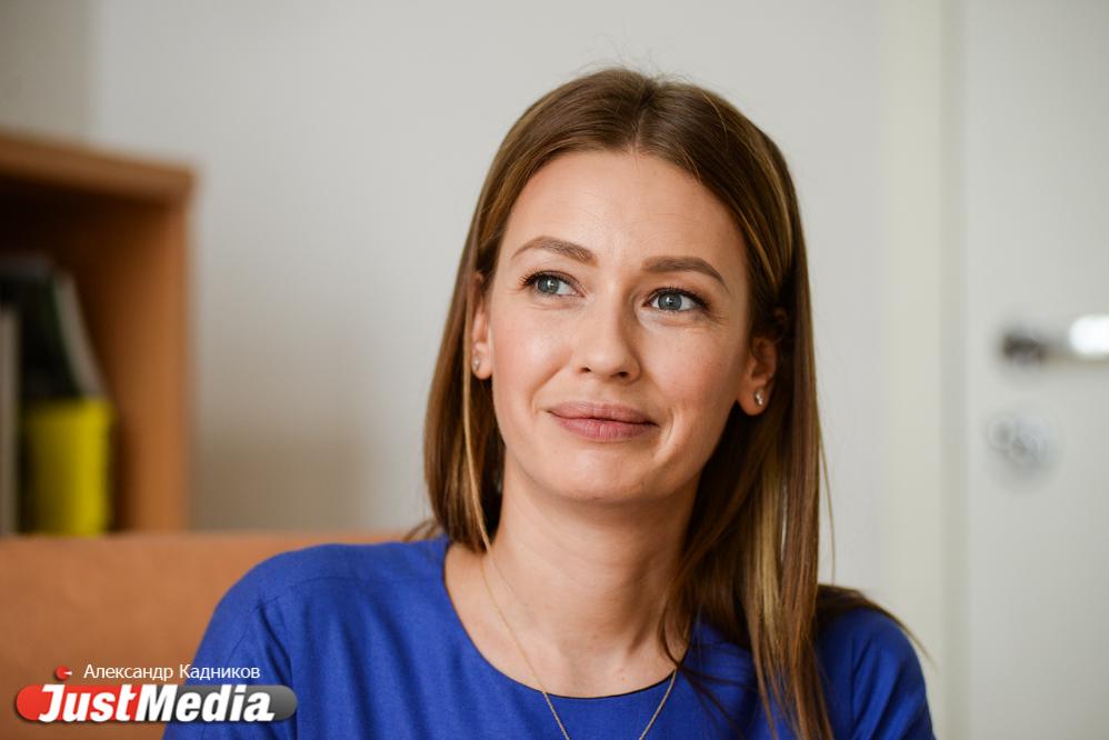 Российская актриса Евгения Лоза: «В Екатеринбург весна еще не торопится». В городе +10 и дождь