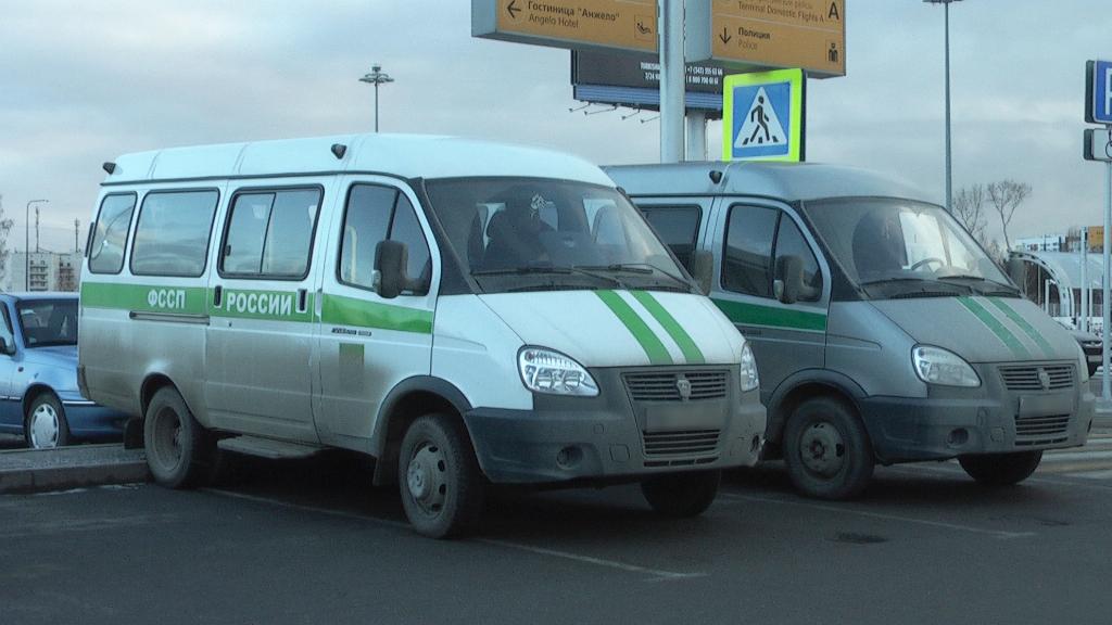 В Екатеринбург более тридцати гастарбайтеров-нелегалов депортировали на Родину. ФОТО