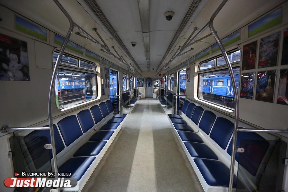 Не выходим на конечной станции и бродим по тоннелям. День и ночь в метро с JustMedia.ru - Статьи