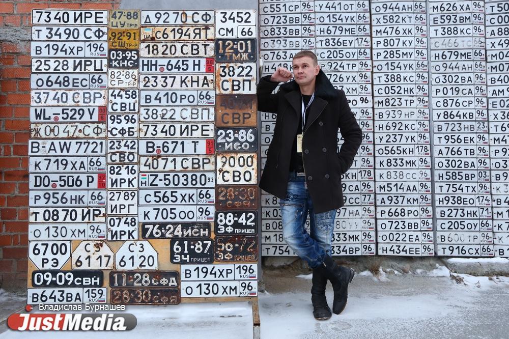 Игорь Шмаков, хранитель музея ретро автомобилей: «Зима должна быть не настолько холодная, чтобы водка в стакане застыла». В Екатеринбурге -14 градусов. ФОТО, ВИДЕО