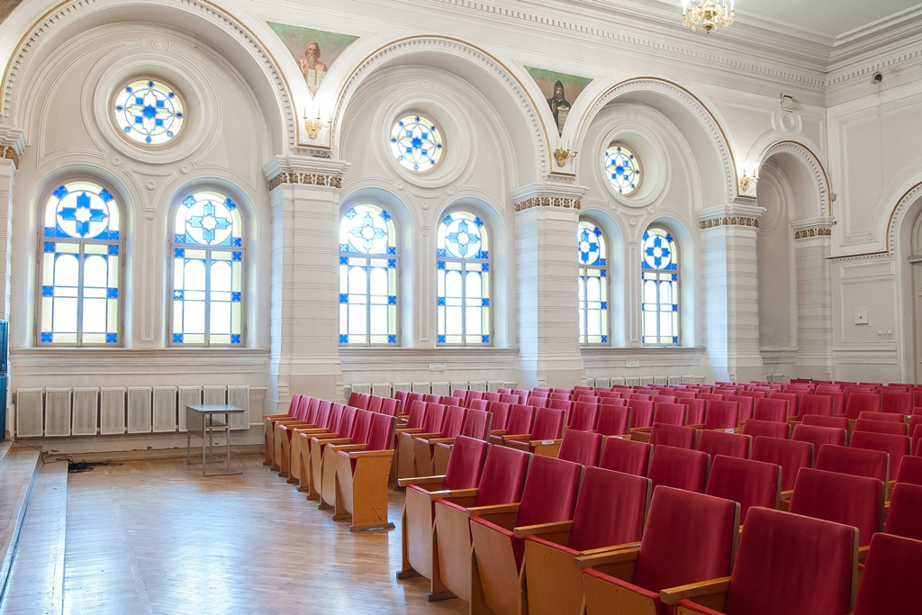 ВЕкатеринбурге Епархия желает отсудить здания 3-х колледжей вцентре города