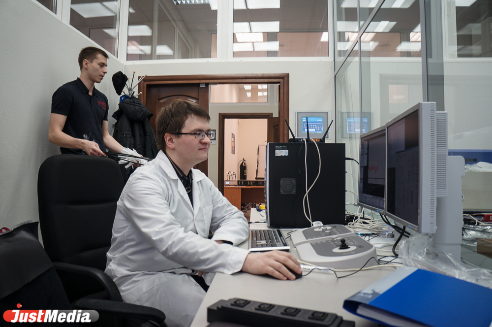 Ученые высшего качества Защищать диссертации в России будут по  Одно из основных новых требований которое будет предъявляться к научным работам новизна В основе диссертации должны будут лежать исследования и анализ