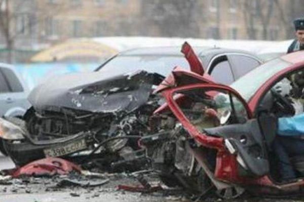В Барнауле в результате ДТП погибли два человека