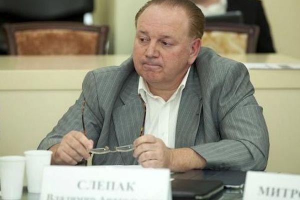 Член Общественной палаты РФ Слепак предлагает запретить ввоз алкоголя и табака из ЕС и США