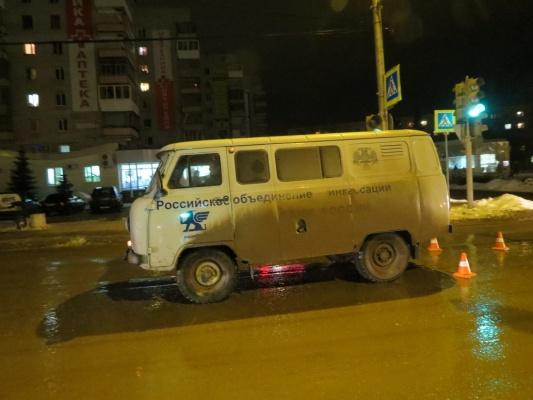 В Каменске-Уральском инкассаторский автомобиль сбил пожилого мужчину на пешеходном переходе