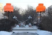 В сквере возле Оперного театра вновь появились оранжевые абажуры