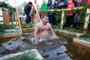 Окружение Куйвашева отреагировало на критику в СМИ. Губернатор с опозданием выразил соболезнования родственникам погибших шахтеров