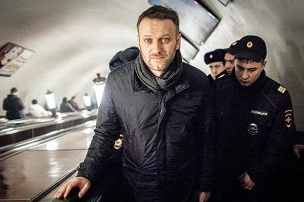 Алексей Навальный арестован на 15 суток за раздачу листовок в метро