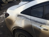 Полицейские считают, что белые машины в Заречном разрисовали несовершеннолетние