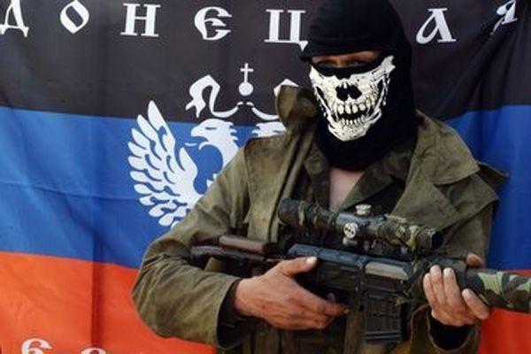 В районе донецкого аэропорта обстреляли кортеж министра обороны ДНР