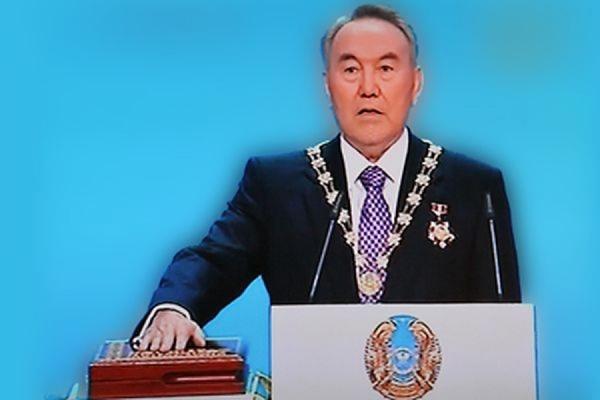 Досрочные выборы президента Казахстана пройдут 26 апреля