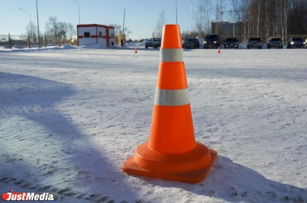 За минувшие выходные на свердловских дорогах пострадали пятеро детей