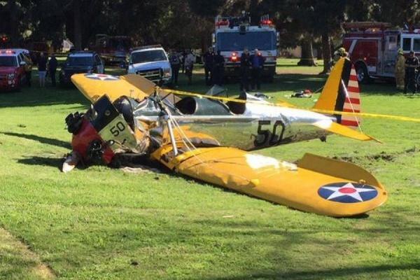 Харрисон Форд чудом остался жив после того, как разбился на самолете времен Второй мировой