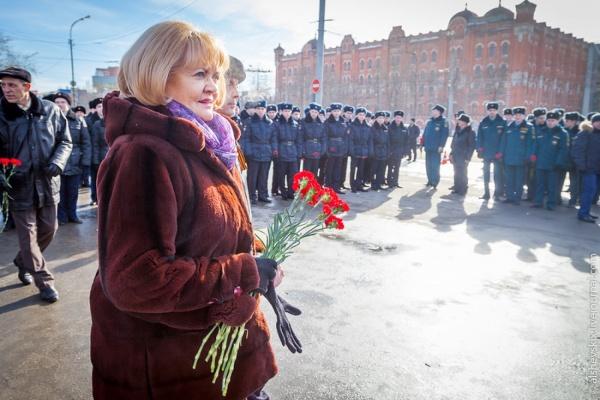 Куйвашев продолжает игнорировать юбилей Победы. Губернатор не появился на церемонии возложения цветов УДТК