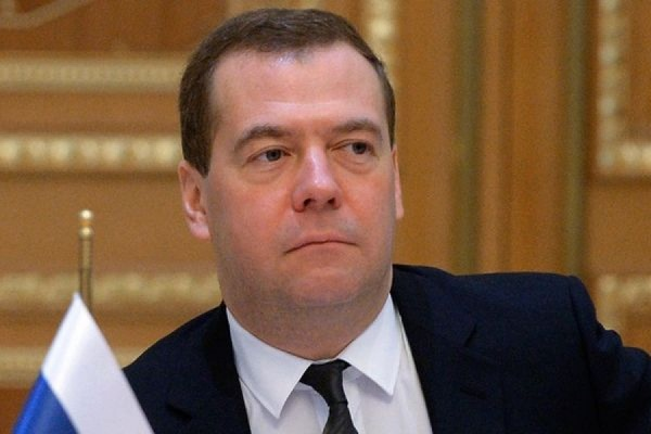Медведев пообещал, что возврата к госрегулированию цен не будет