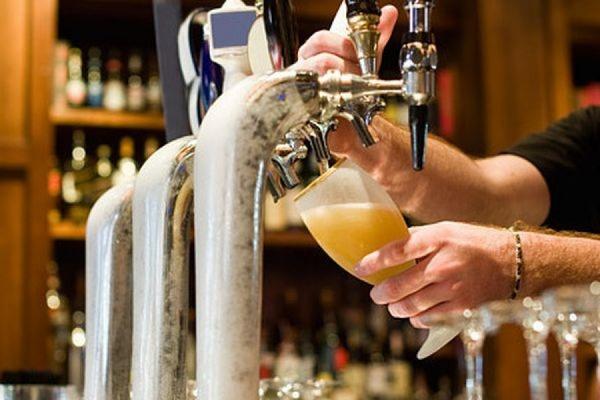 В России за последний год существенно подорожало пиво