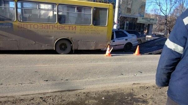 Жуткое ДТП произошло у ТЦ «Кит». Таксист разбился насмерть, столкнувшись с автобусом ФОТО
