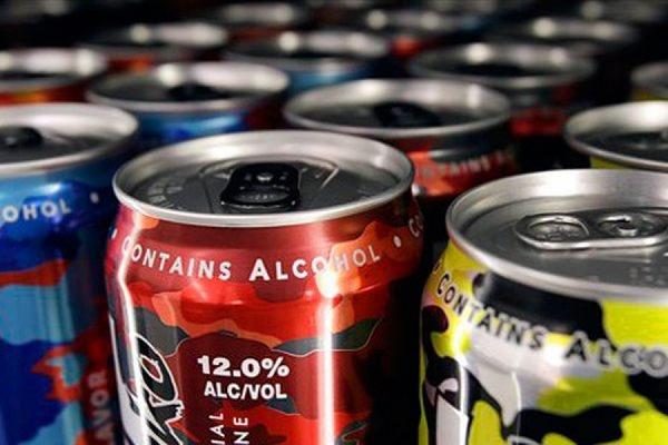 В Мосгордуме принят закон о запрете продажи алкогольных энергетиков