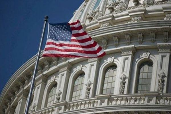 Конгресс США призвал Барака Обаму начать поставки вооружений на Украину
