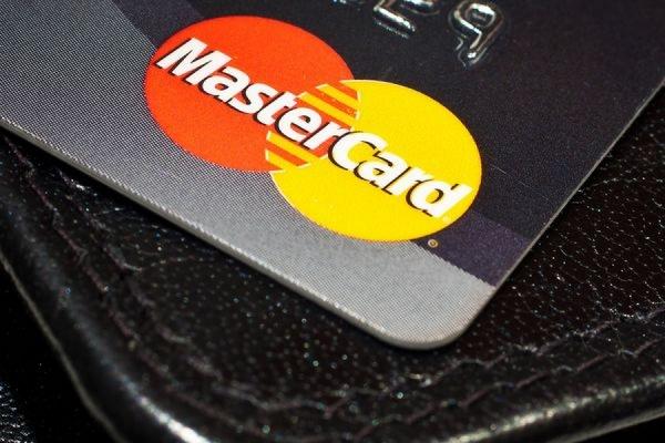 С 1 апреля MasterCard переведет процессинг внутрироссийских транзакций на НСПК
