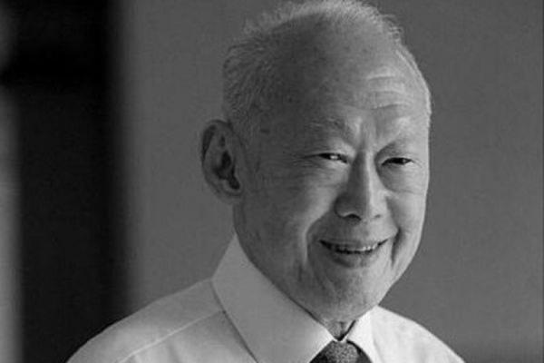 В Сингапуре в ходе семидневного траура с Ли Куан Ю простились около 1,5 млн человек